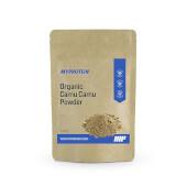 El Camu Camu Orgánico en Polvo de Myprotein es una fuente de vitamina C.